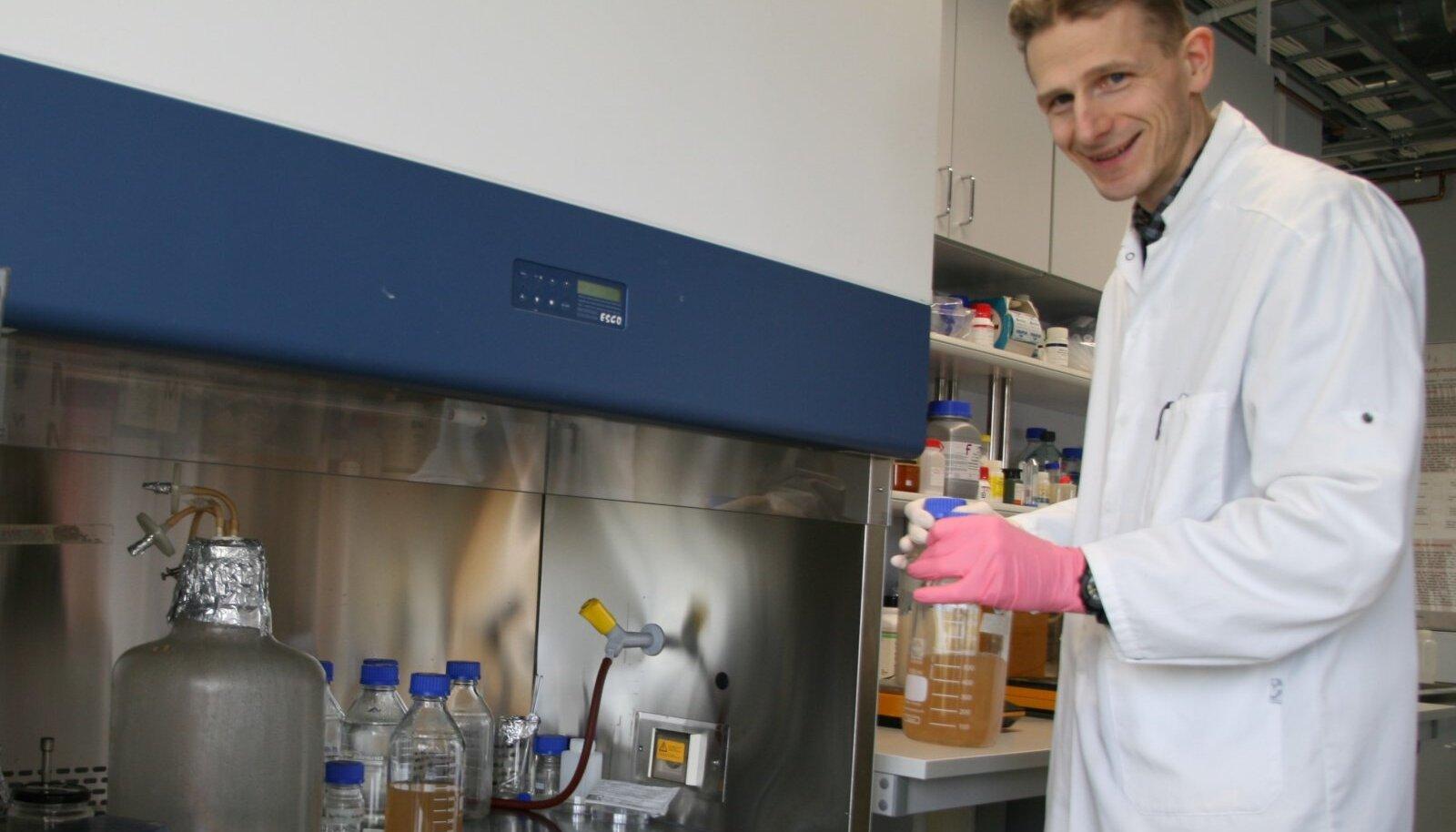 Kaarel Adamberg laboris