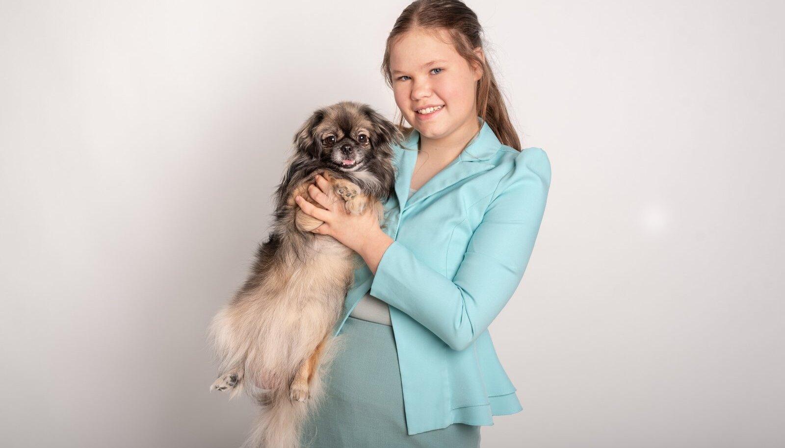 Rosinaga muutusid koertenäitused Marta jaoks oluliseks, sest ta tahtis ta ka oma koerale tiitleid võita.