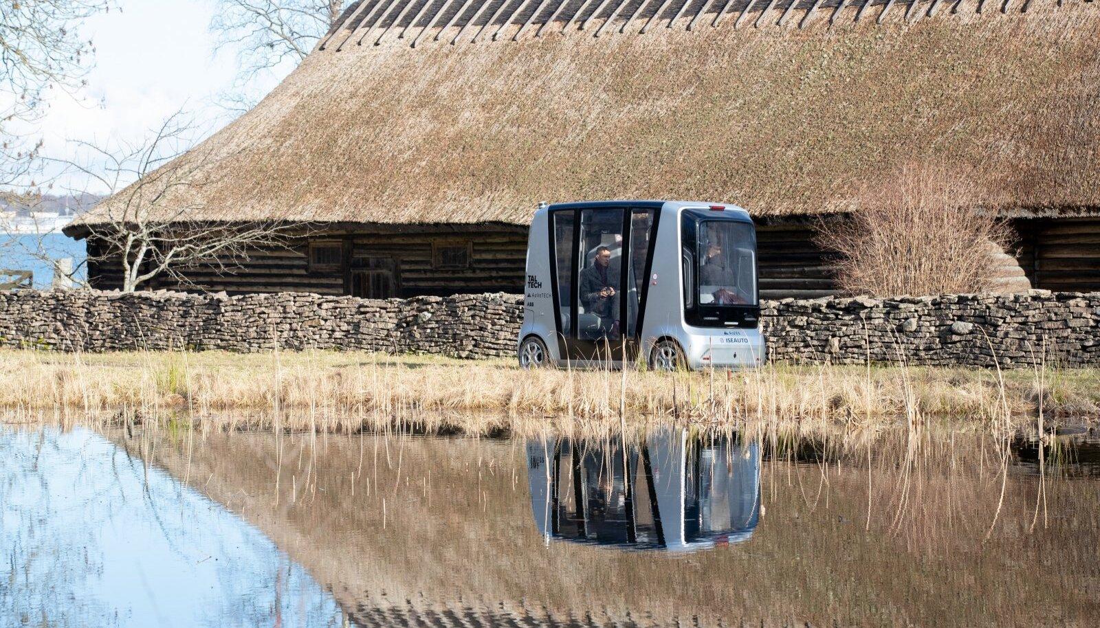 Iseauto üks testimiskohtasid hetkel on ka Vabaõhumuuseum, kus ka meie sõidukiga proovisõitu tegemas käisime.