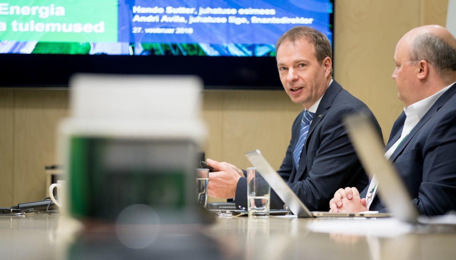 Eesti Energia juhatuse esimees Hando Sutter ütleb, et õlitehase projekt vastab kõikidele seatud kriteeriumitele. Seal on veel tootlusele riskikoefitsiendid otsa pandud ehk õlitehaselt oodatakse suuremat tootlust kui tuulepargilt.