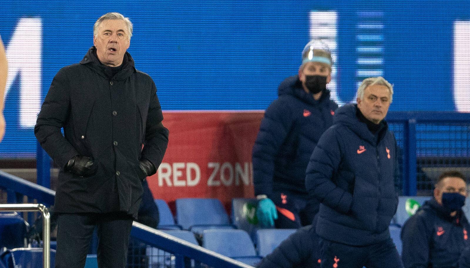 Carlo Ancelotti ja Jose Mourinho. Sedapuhku jäi peale Ancelotti.