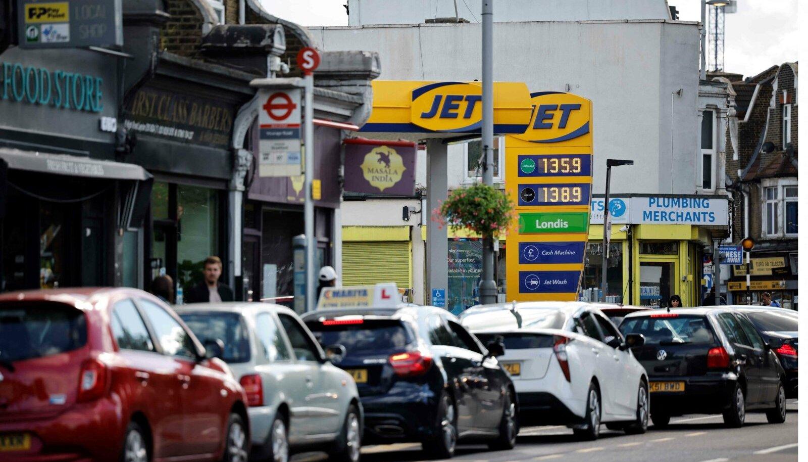 Kütusejärjekord eelmisel nädalal Londonis idaosas Leytonis