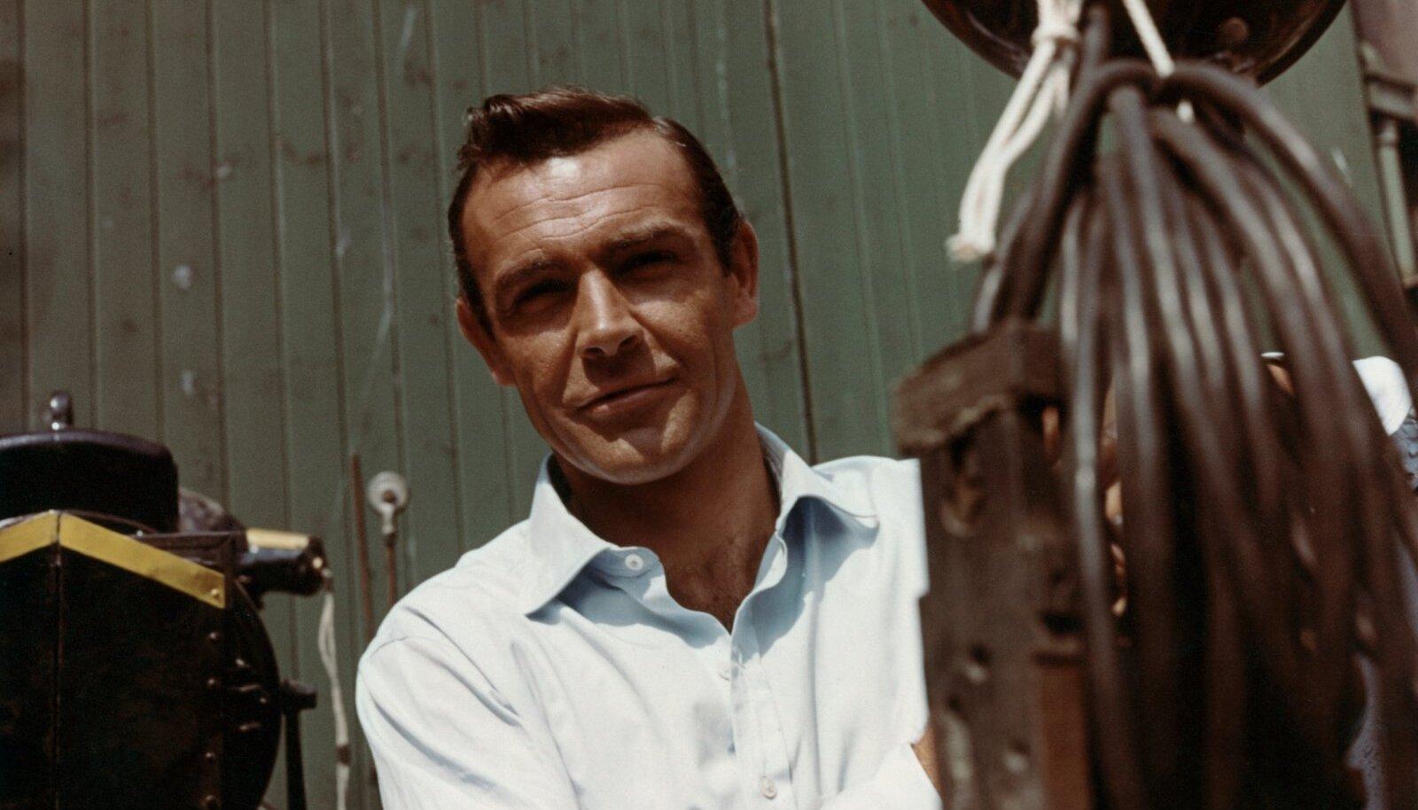 """AINUKE TÕELINE BOND: Sean Connery James Bondi kolmanda filmi """"Kuldsõrm"""" võtetetel aastal 1964."""