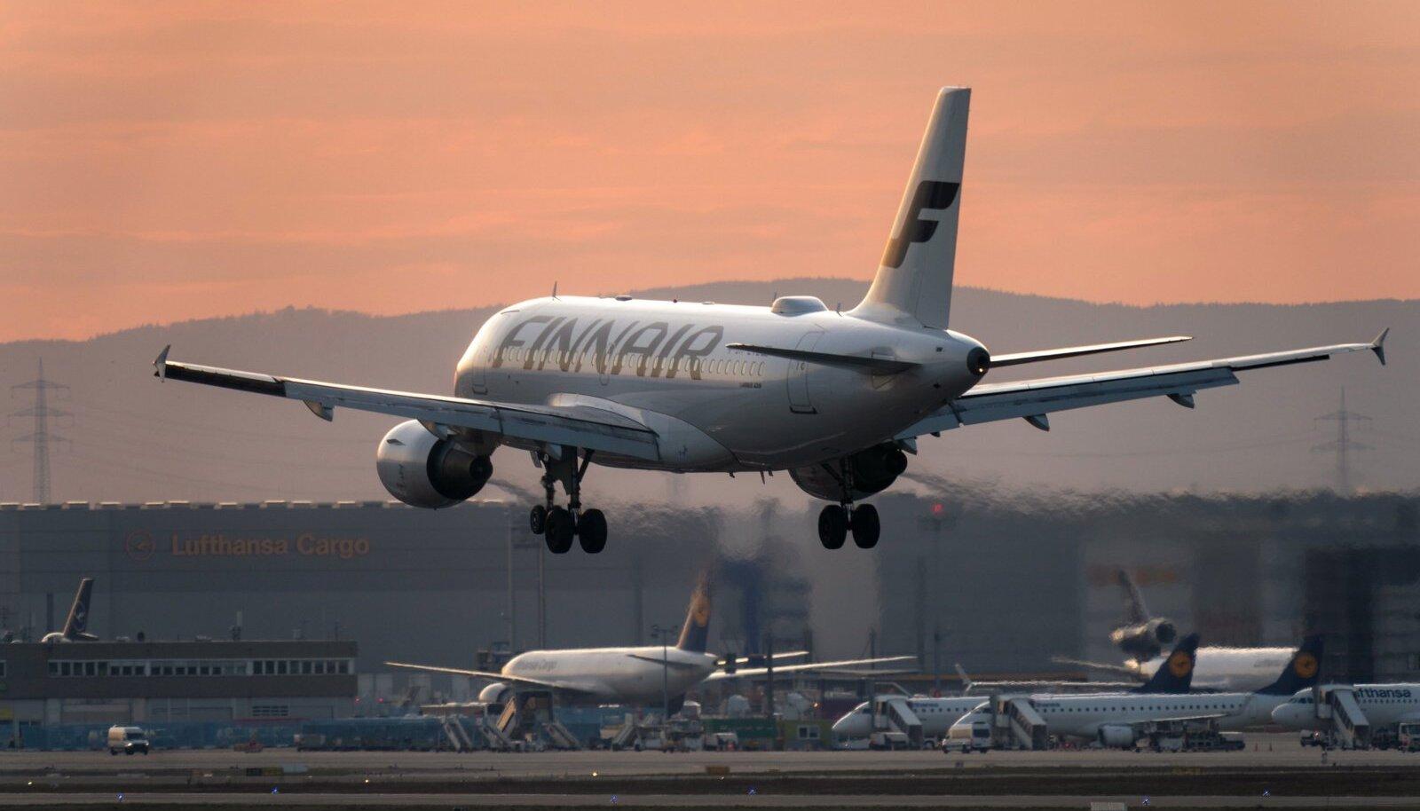 16. MÄRTS: Finnairi lennuk maandub Frankfurti lennujaamas.
