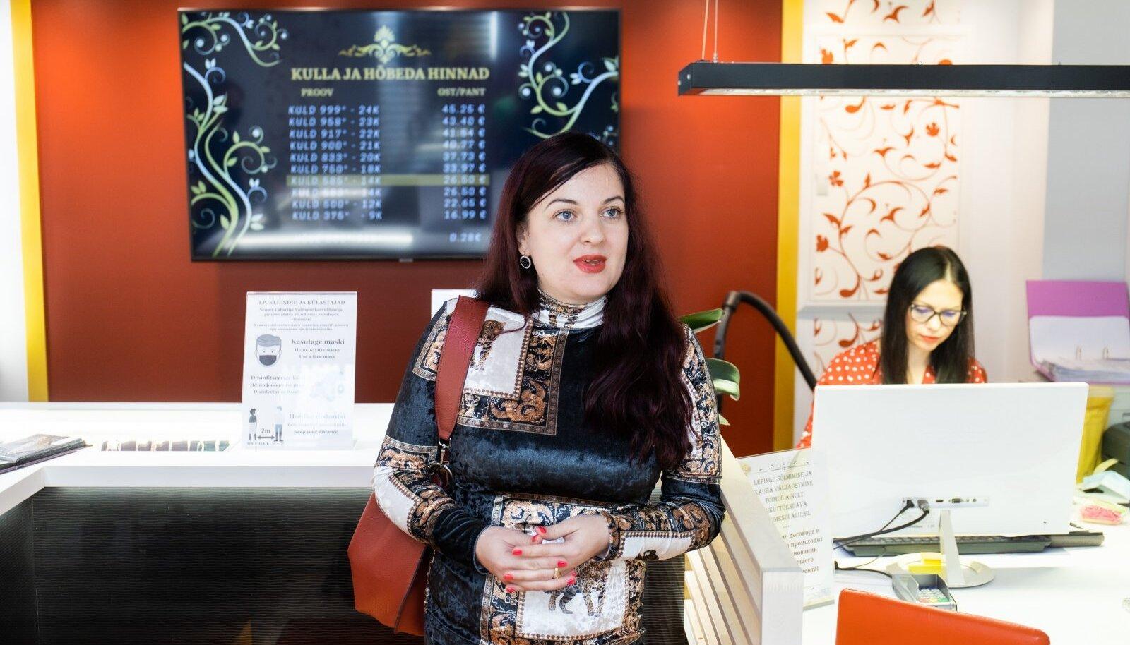 Luutari pandimaja omaniku Ljubov-Luule Emmari sõnul tulid nad 2006. aastal turule, et muuta pandimajade mainet. Nüüdseks on tal see missioon õnnestunud.