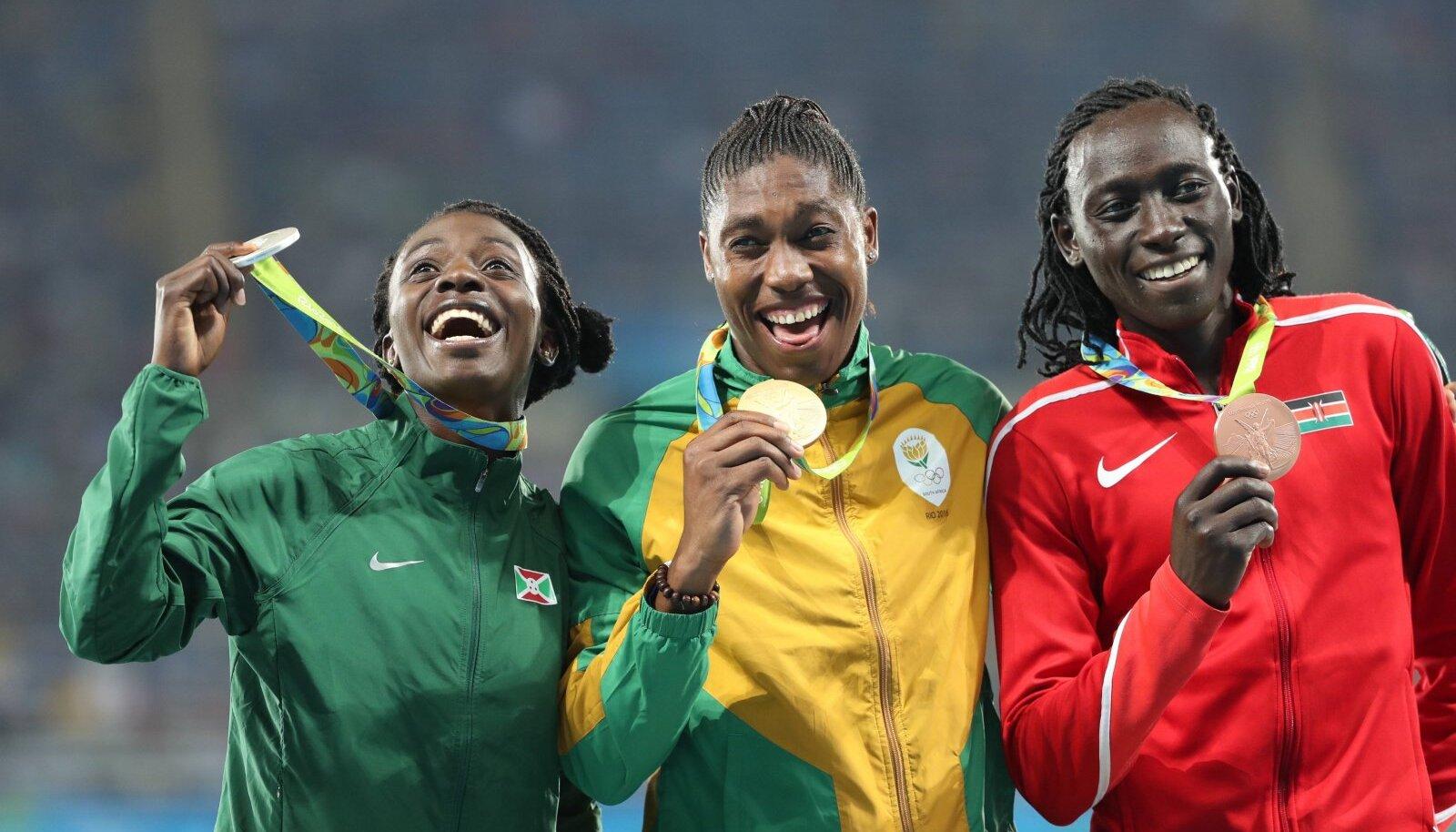Vasakult: Francine Niyonsaba, Caster Semenya, Margaret Nyairera Wambui