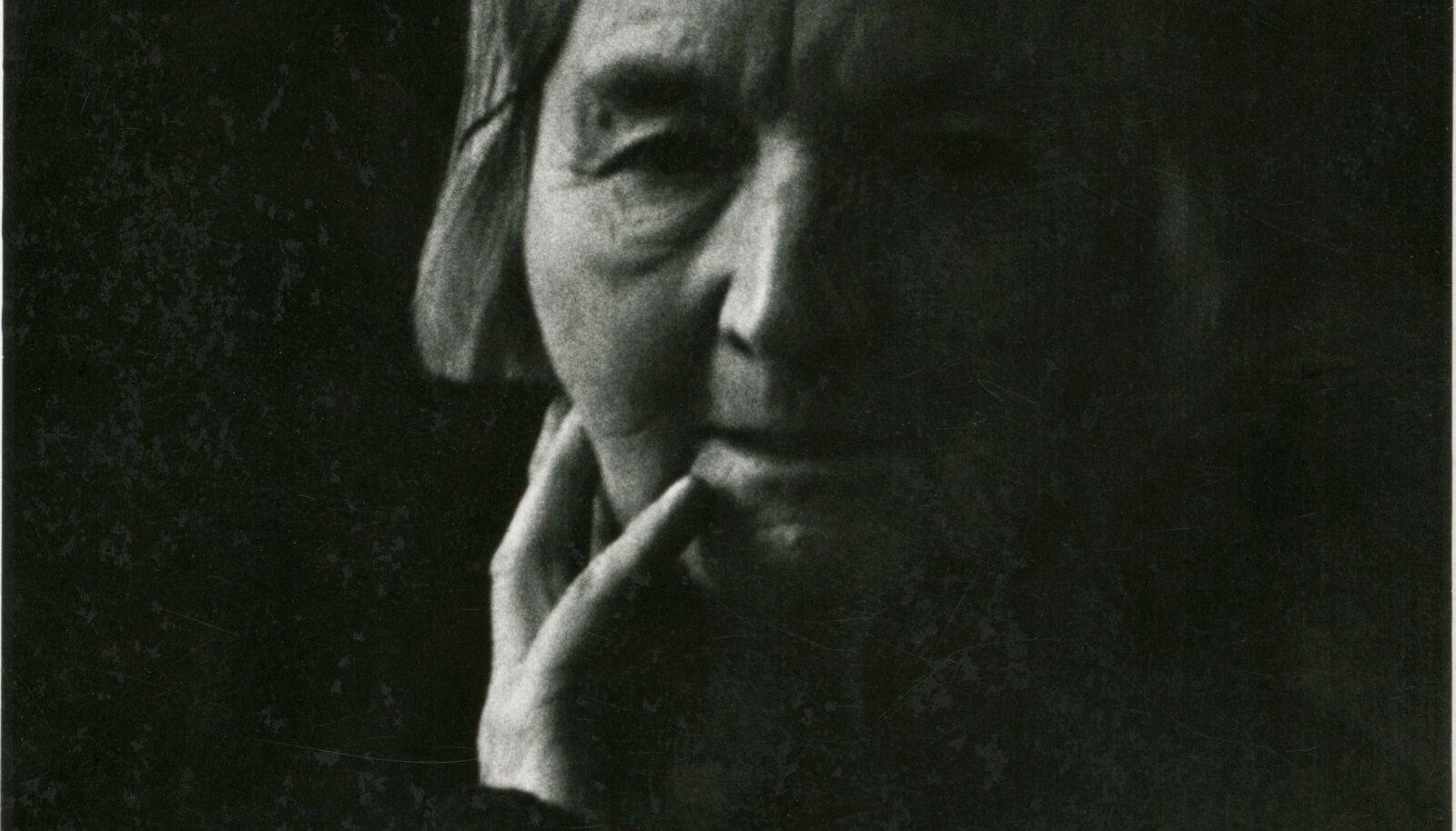 PIKA TEEKONNA LÕPUSIRGE: Linda Vilde 1963. aasta detsembris oma Köleri tänava kodus.