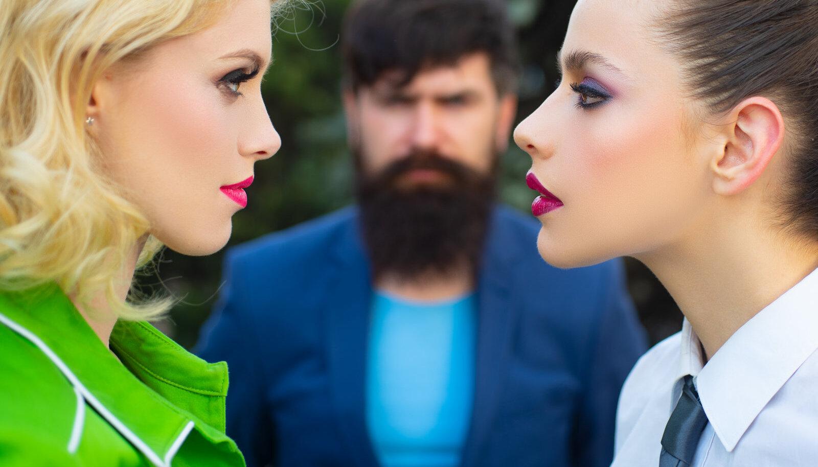 Kui mehe sõbranna muutub suhtes tülikaks kolmandaks, tuleb oma piirid paika panna.