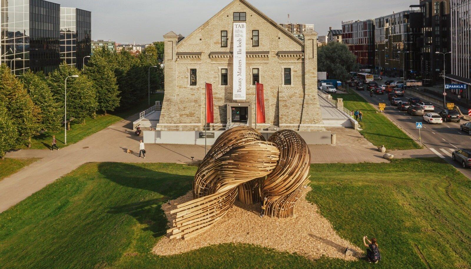"""VÕIDUTÖÖ: TAB 2019 installatsioonivõistluse võitjaks osutus Suurbritannia, Tšehhi ja Austraalia arhitektide ühistöö """"Steampunk"""", mille autoriteks on Gwyllim Jahn, Cameron Newnham (Fologram, AU), Soomeen Hahm Design (UK) ja Igor Pantic (UK)."""