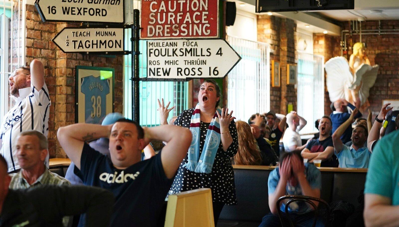 Plaani järgi kaoksid Briti pubide praegused mahutamispiirangud jalgpalli EM-i veerandfinaalide ajaks.