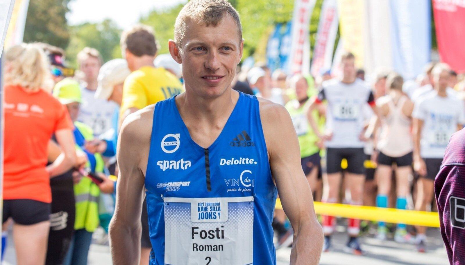 Roman Fosti.