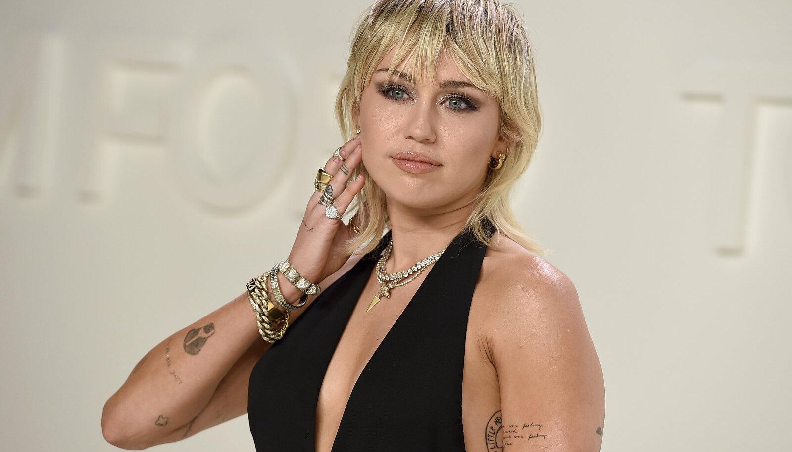 Miley Cyrus, üks tuntumaid mulleti-kandjaid praegu.