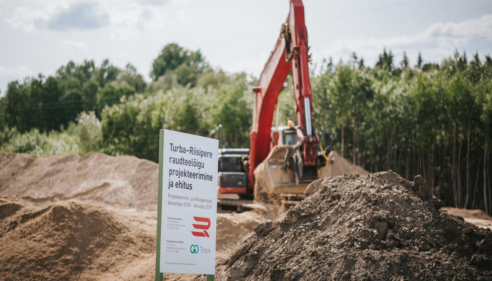 Pensionile siirdumiste ja investeeringute tõttu on Eesti Raudteel lähitulevikus vaja hinnanguliselt 20 raudteeinseneri kvalifikatsiooniga inimest. Riisipere-Turba raudteelõigu ehitus 2019. aasta juunis