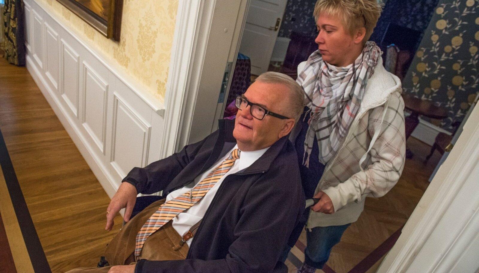 Eile kohtus kõne all olnud paberite järgi on Moonika Batrakova üks suuremaid Edgar Savisaare rahalisi toetajaid.