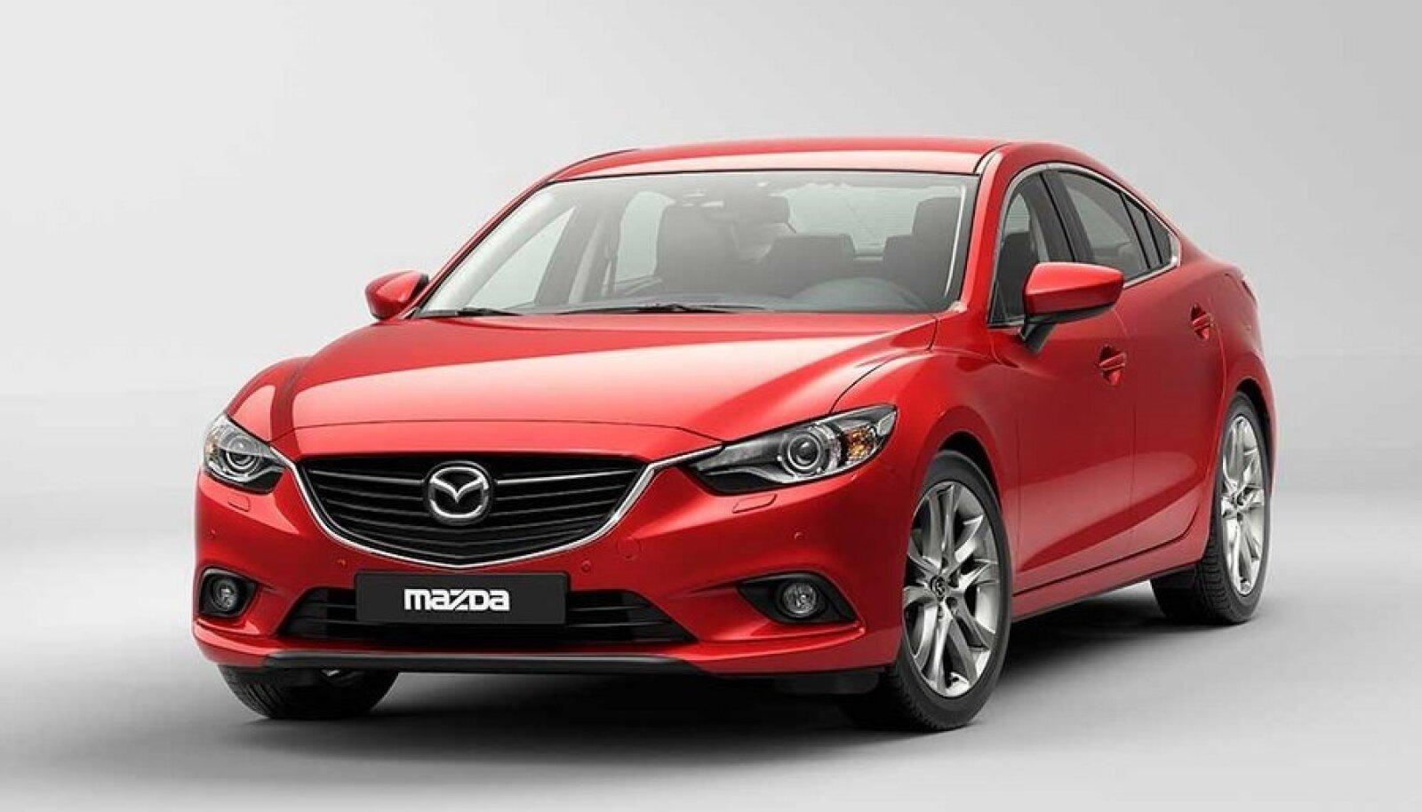 Uus Mazda 6 on päris kena tõesti, kuid siinsest heas mõttes rahvaauto mainest vabanemiseks pelgalt disainist ei piisa.