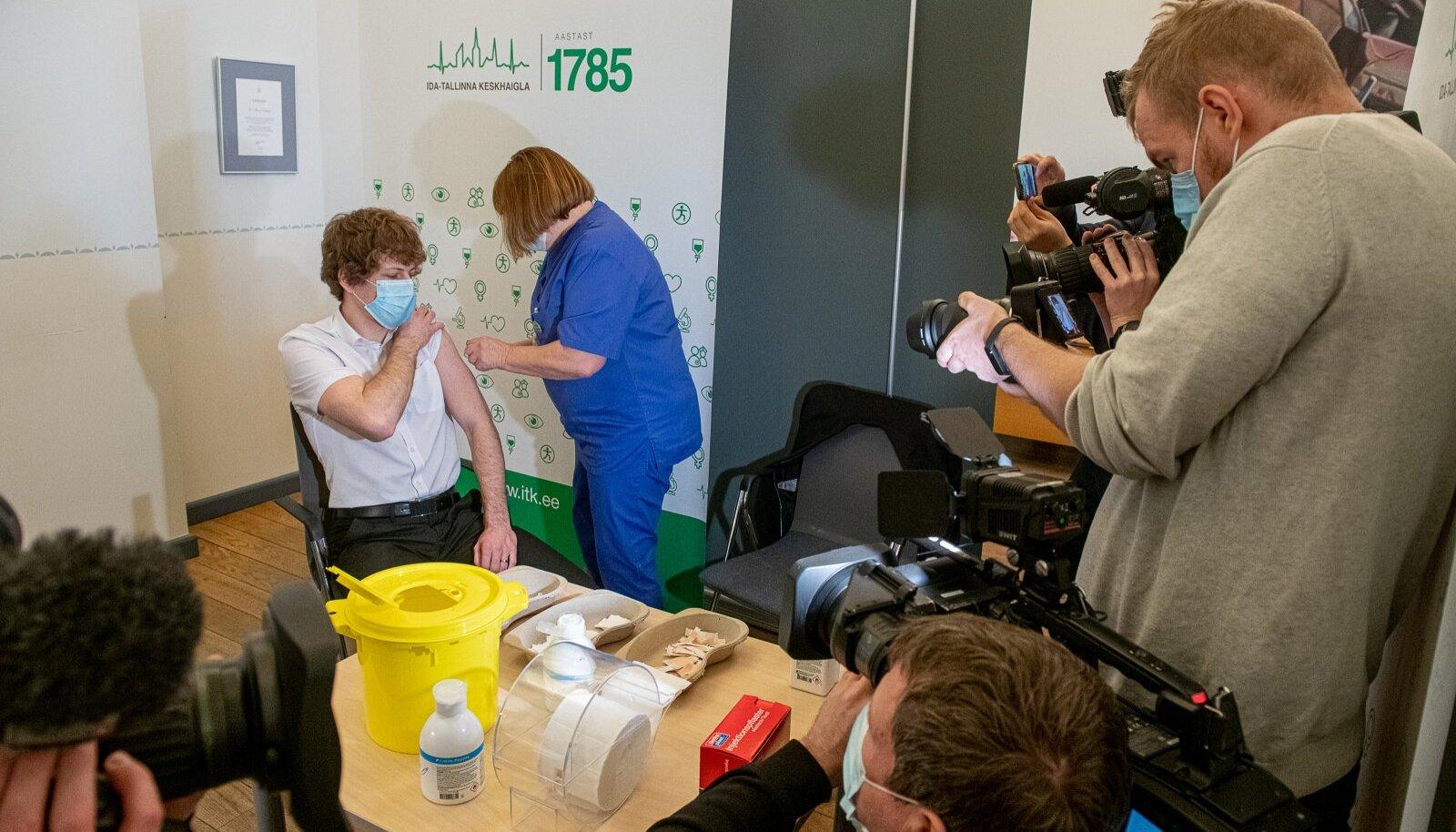 Valitsusliikmed lasid end vaktsineerida