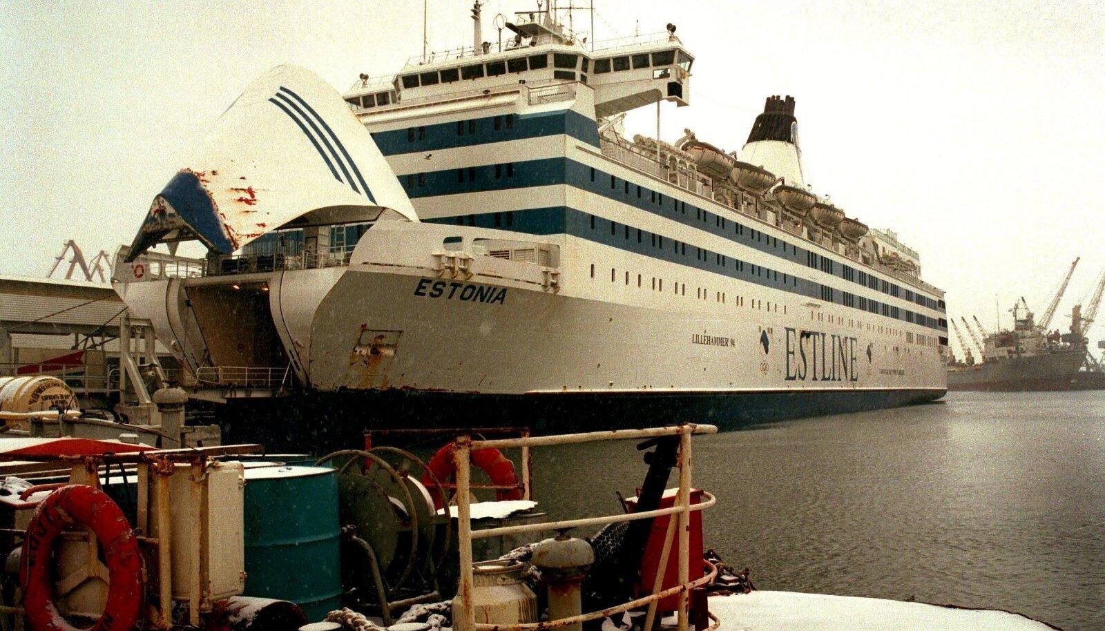 Tänasest eetrisse jõudev seriaal lubab parvlaev Estonia uppumise kohta uusi detaile.