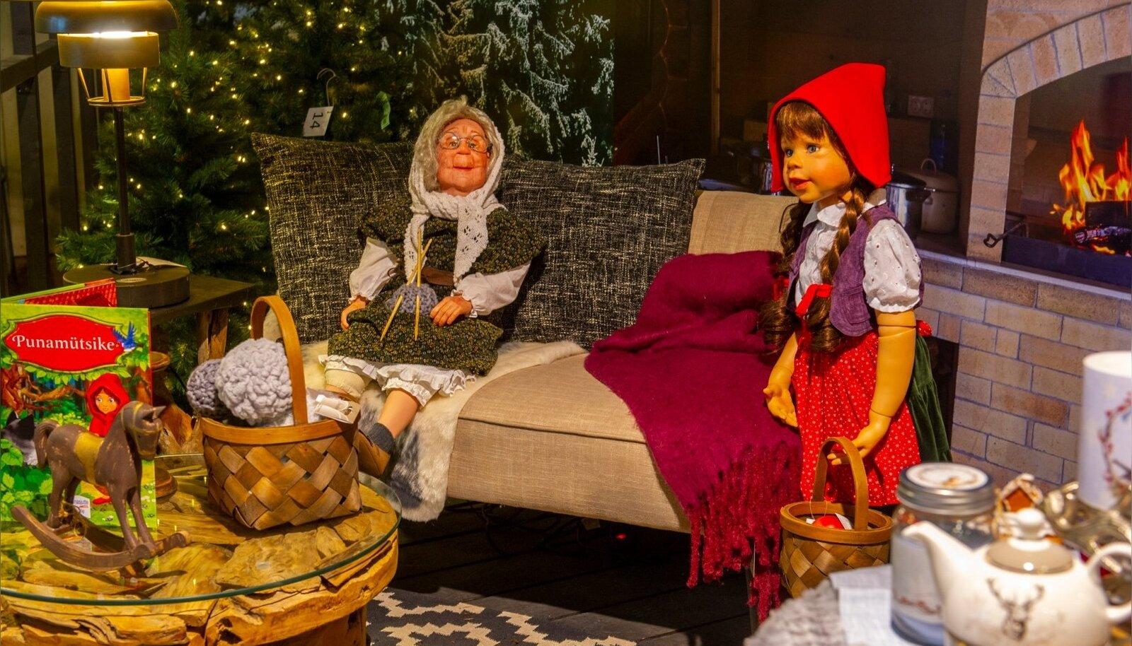GALERII | Haruldased käsitöönukud toovad jõulutunde lähemale