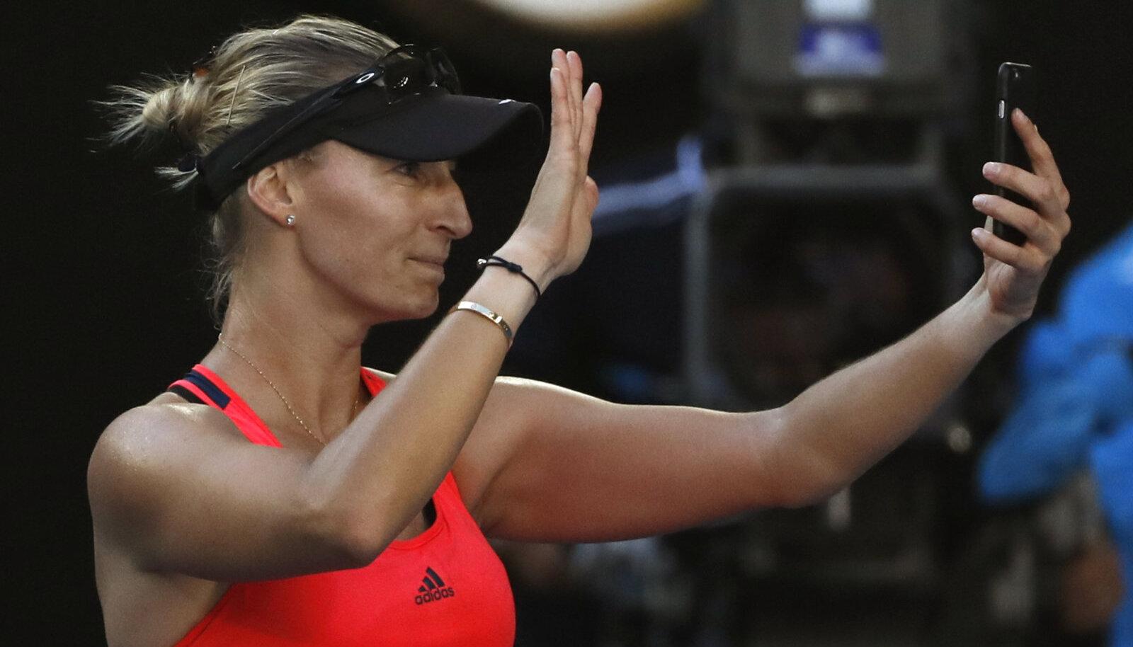 Horvaatia tennisist Mirjana Lucic-Baroni Australian Openil jaanuari lõpus. Sellelt pildilt saaks ilmselt sõrmejäljed päris hästi kätte.