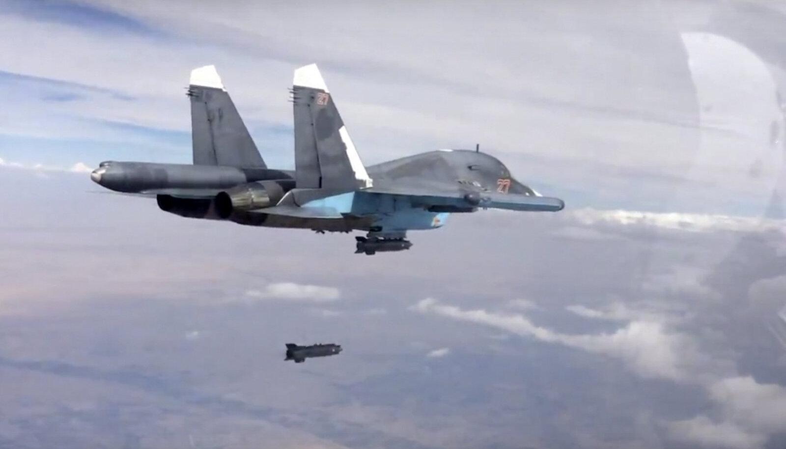 Su-34 heitis Süüriale pommi.