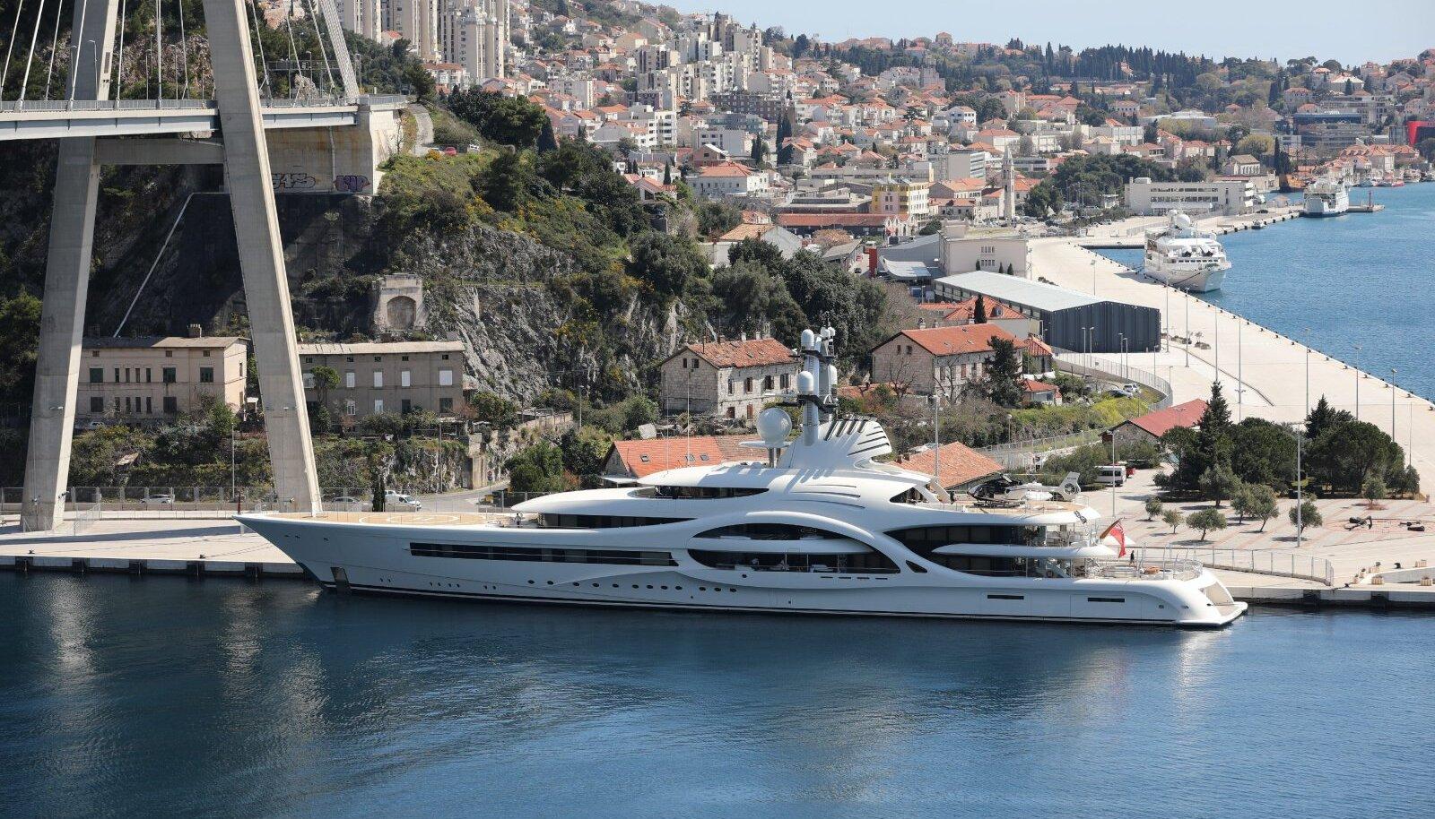 Horvaatia sadamas peatuv luksusjaht Anna. Omanikuks on Vene miljardär ja Monaco jalgpalliklubi president Dmitri Rybolovlev