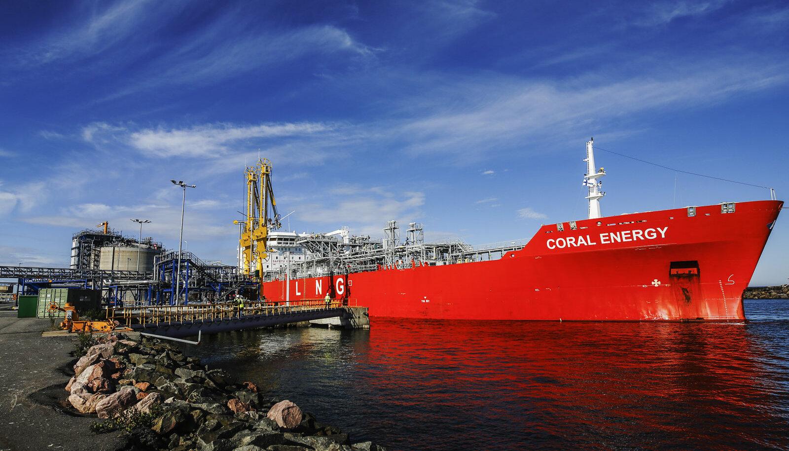 LNG tanker Tahkoluoto LNG terminalis.
