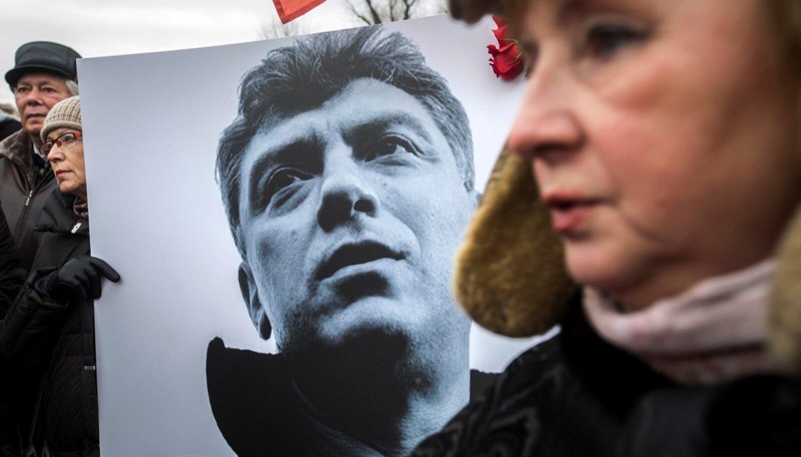 Boriss Nemtsovi mõrva järel tuli tänavatele suur hulk leinajaid.