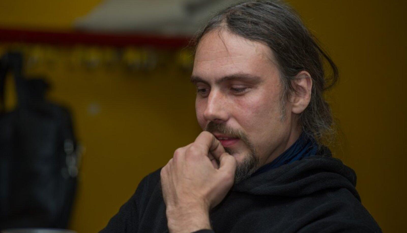 Raul Keller on tuntud nii kunstniku kui ka muusikuna.