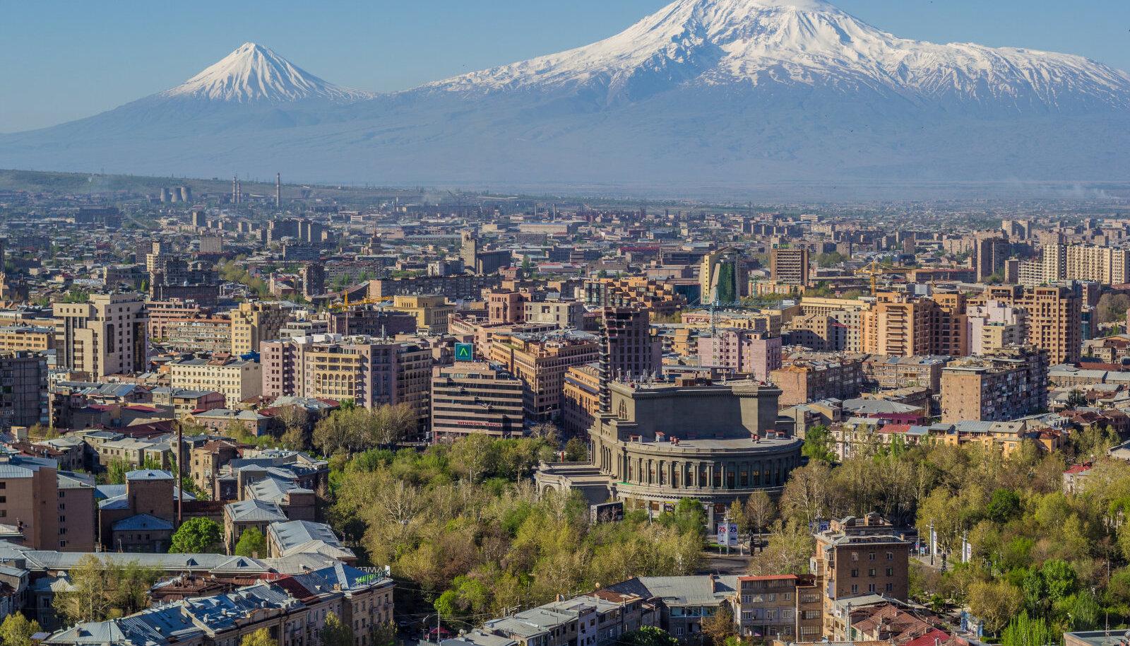 Jerevan ja Ararat.