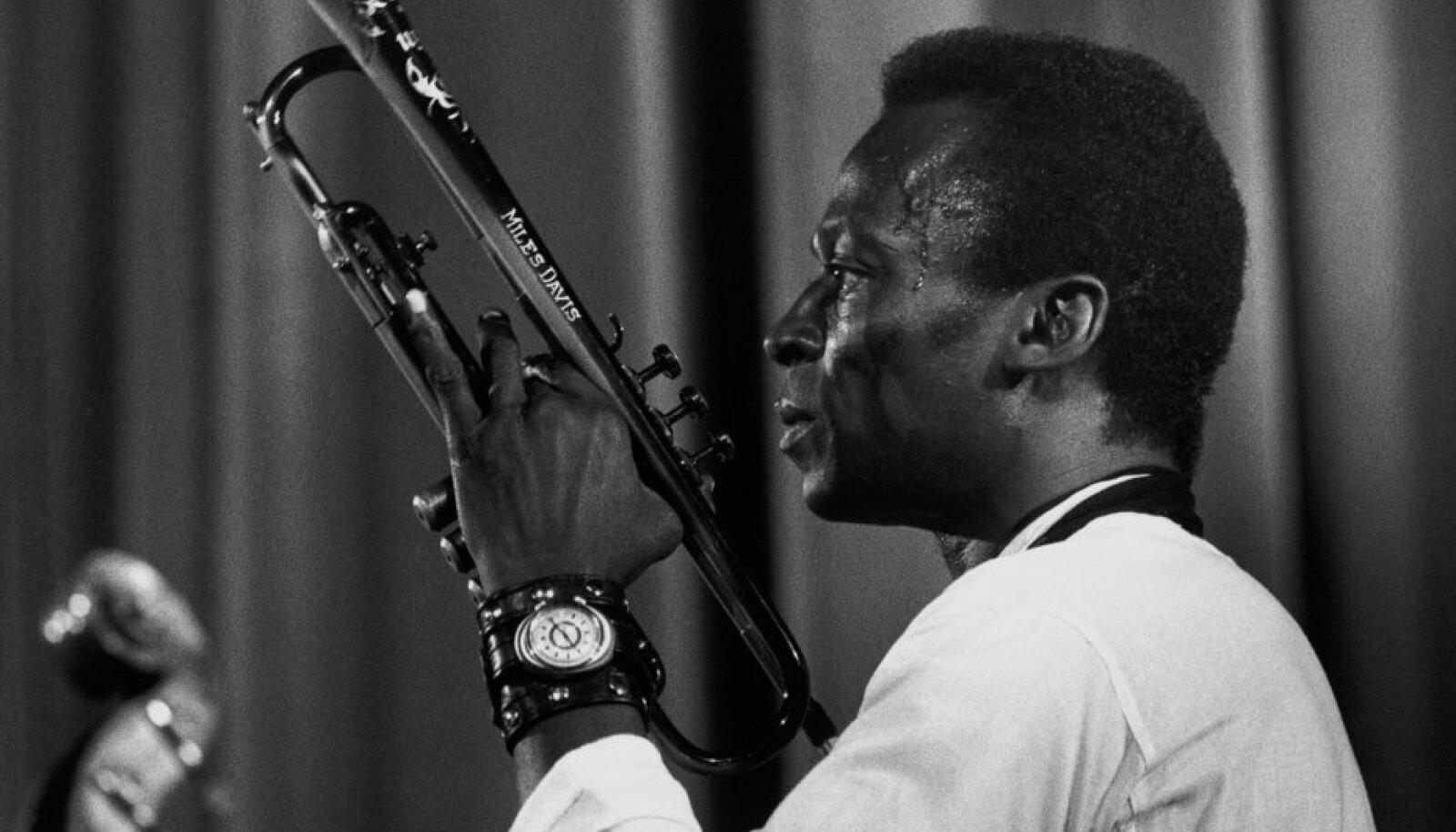 Miles Davis aktsioonis
