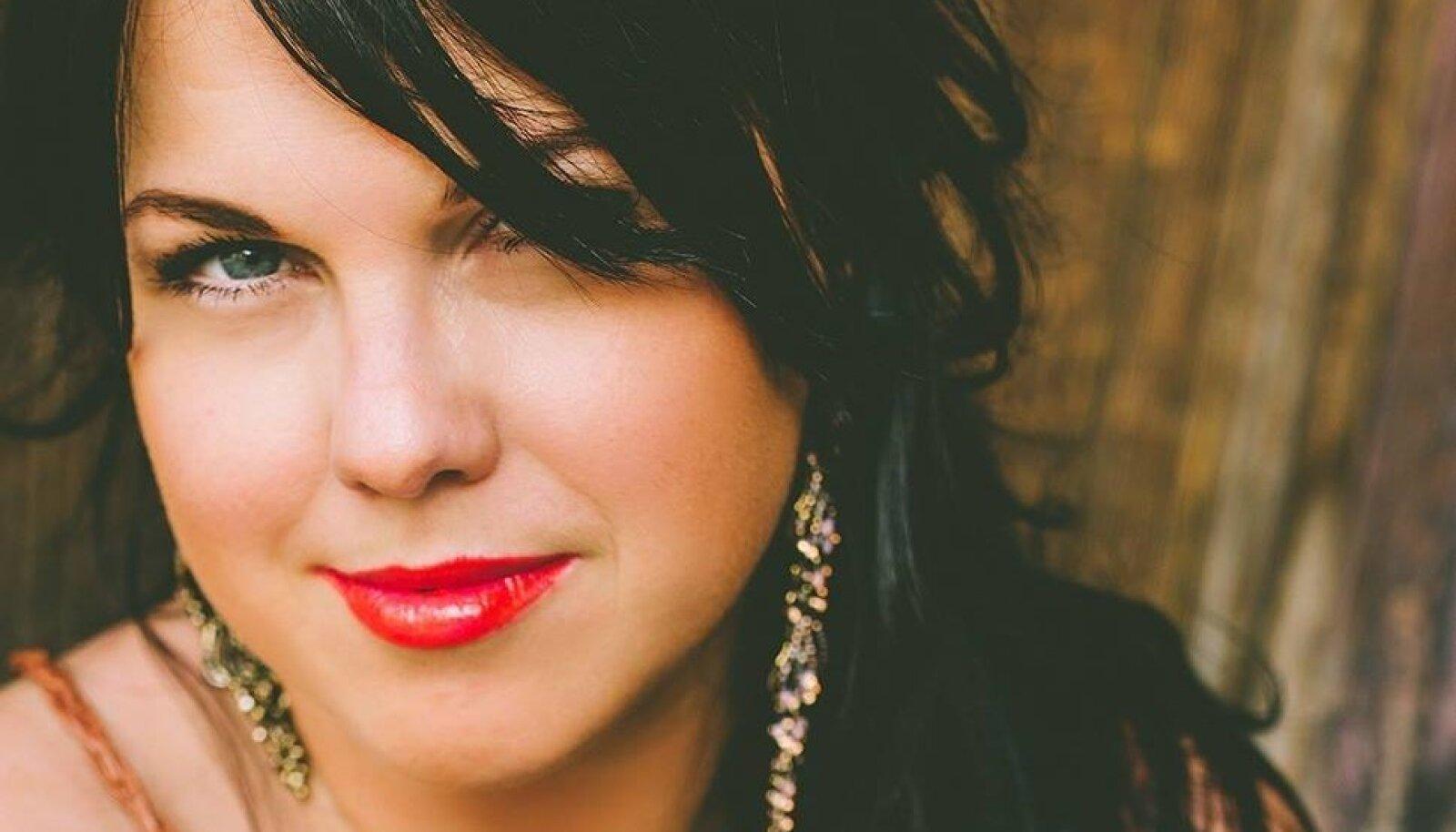 """Armastatud blogija Kadri Luik, kelle kolmas raamat """"Julgus mõelda, julgus öelda 3"""" ilmub hingedepäeval."""