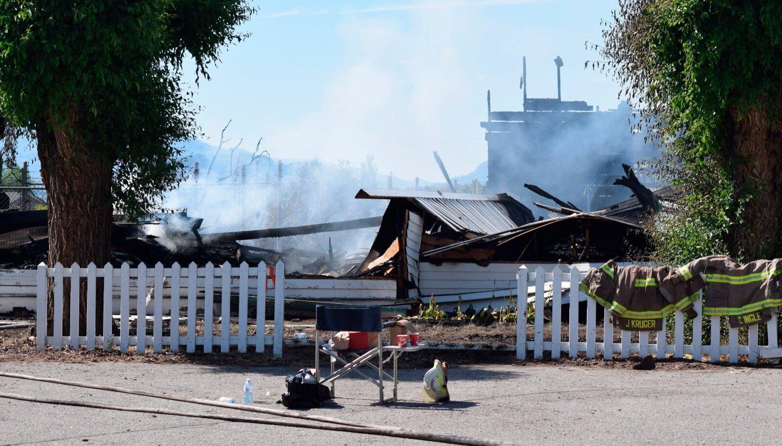 Kõik neli hiljuti põlenud katoliku kirikut hävisid.