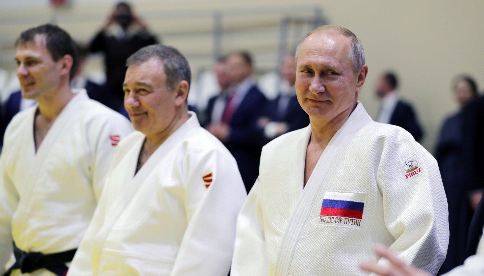 VANAD SÕBRAD: Arkadi Rotenberg (vasakul) ja Vladimir Putin on sõbrad lapsepõlvest. Mõlemad on suured judo-harrastajad.