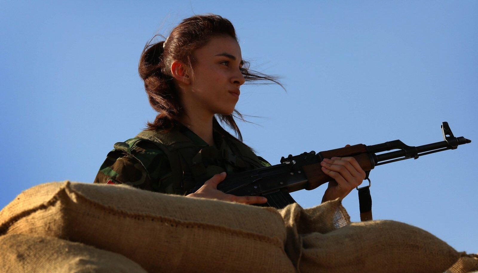 Iraani Kurdistani Vabaduspartei võitlejate seas on ka palju naisi.