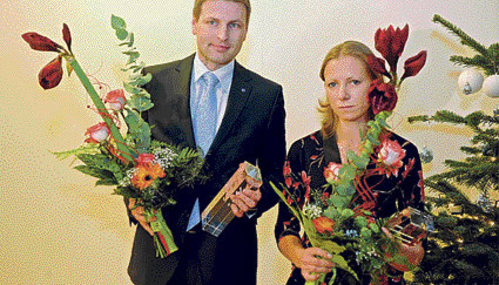Liikumispuudega laste toetusfondi eestvedaja Sirli Jassov koos sotsiaalminister Hanno Pevkuriga