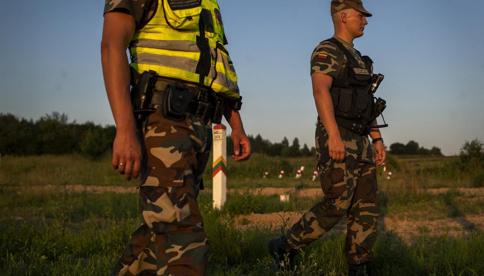 Leedu piirivalvurid reedel Purvenai küla lähedal