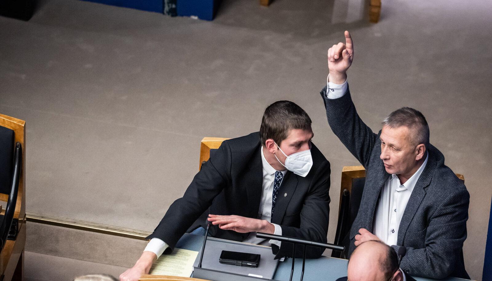 Kalle Grünthal on varmas sõna võtma. Vastuseks on ta saanud sedagi, et tema küsimus ei kvalifitseeru.