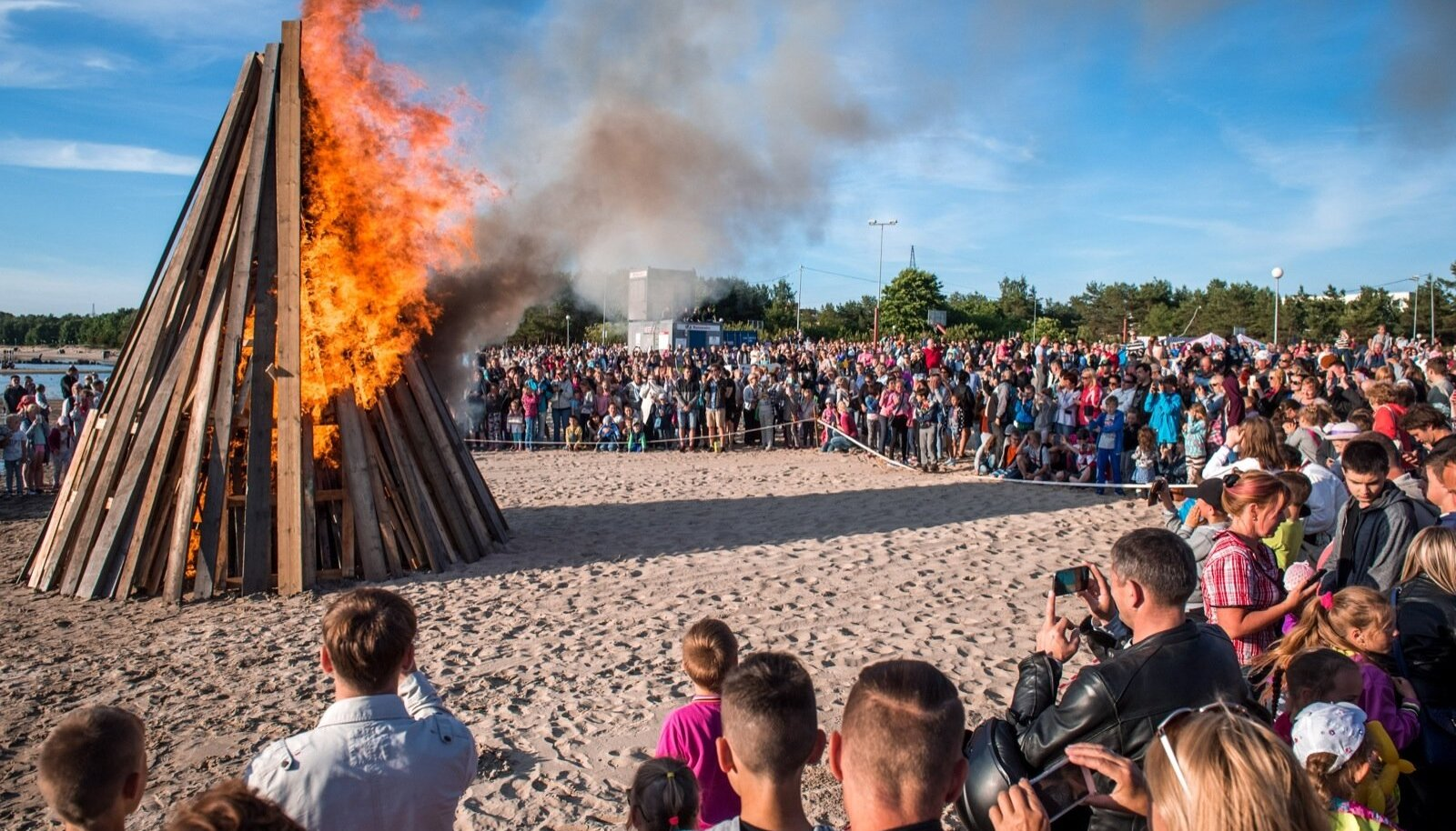 Põhja-Tallinna jaanituli 2016