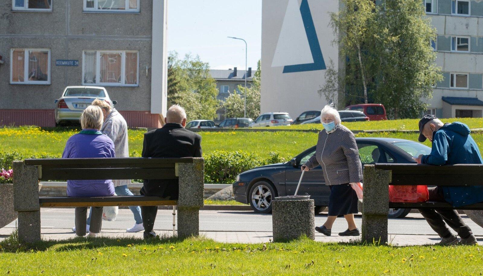 Maardus elavast umbes 15 000 inimesest on enamik vene rahvusest, ainult 25% on eestlased.