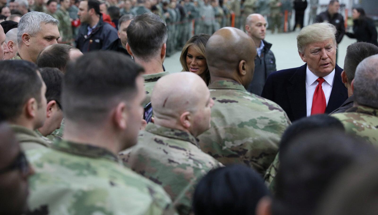 Donald Trump külastamas Ramsteini õhuväebaasi