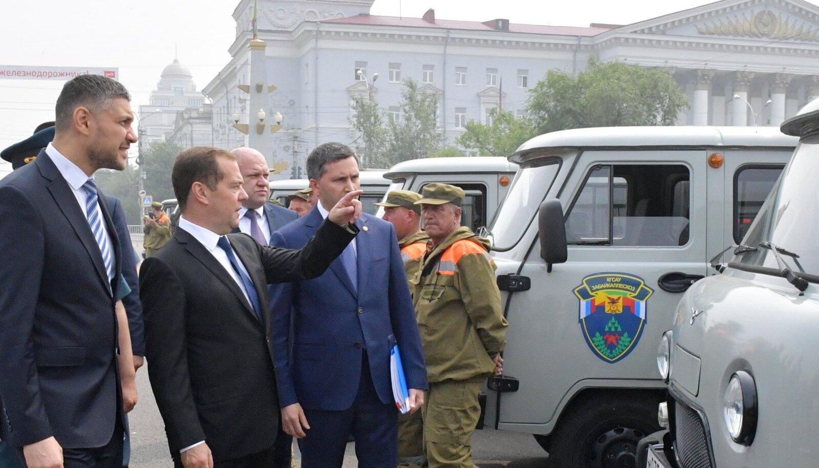 Dmitri Medvedev käis täna Taga-Baikali krais Tšitaas tuletõrjevahenditega tutvumas