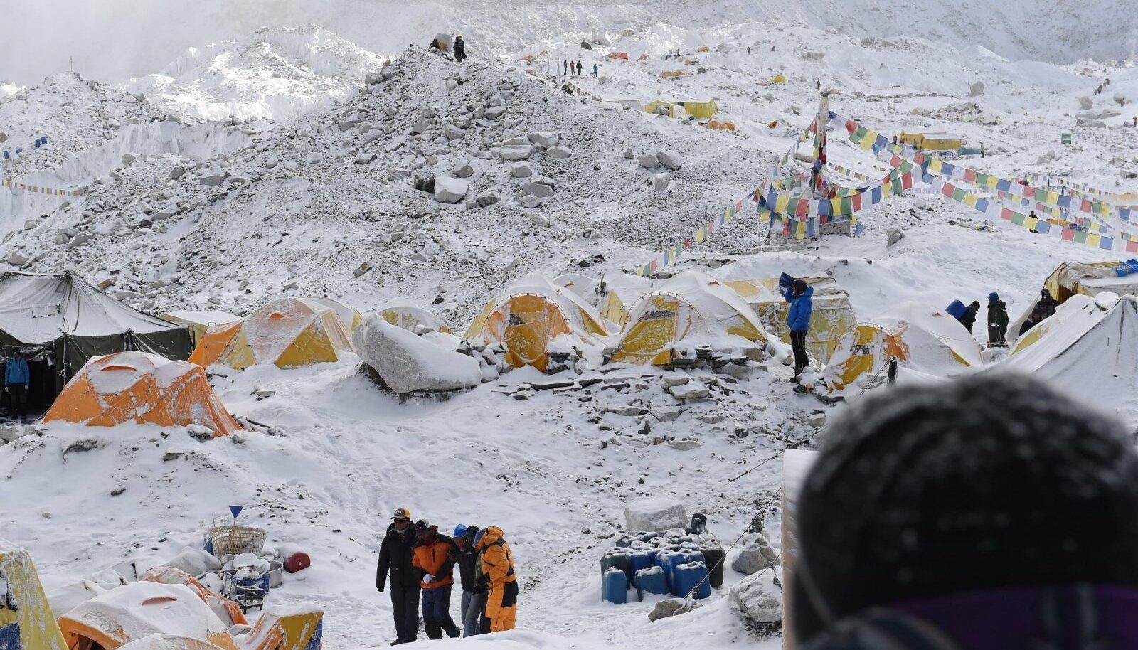 Mount Everesti baaslaager