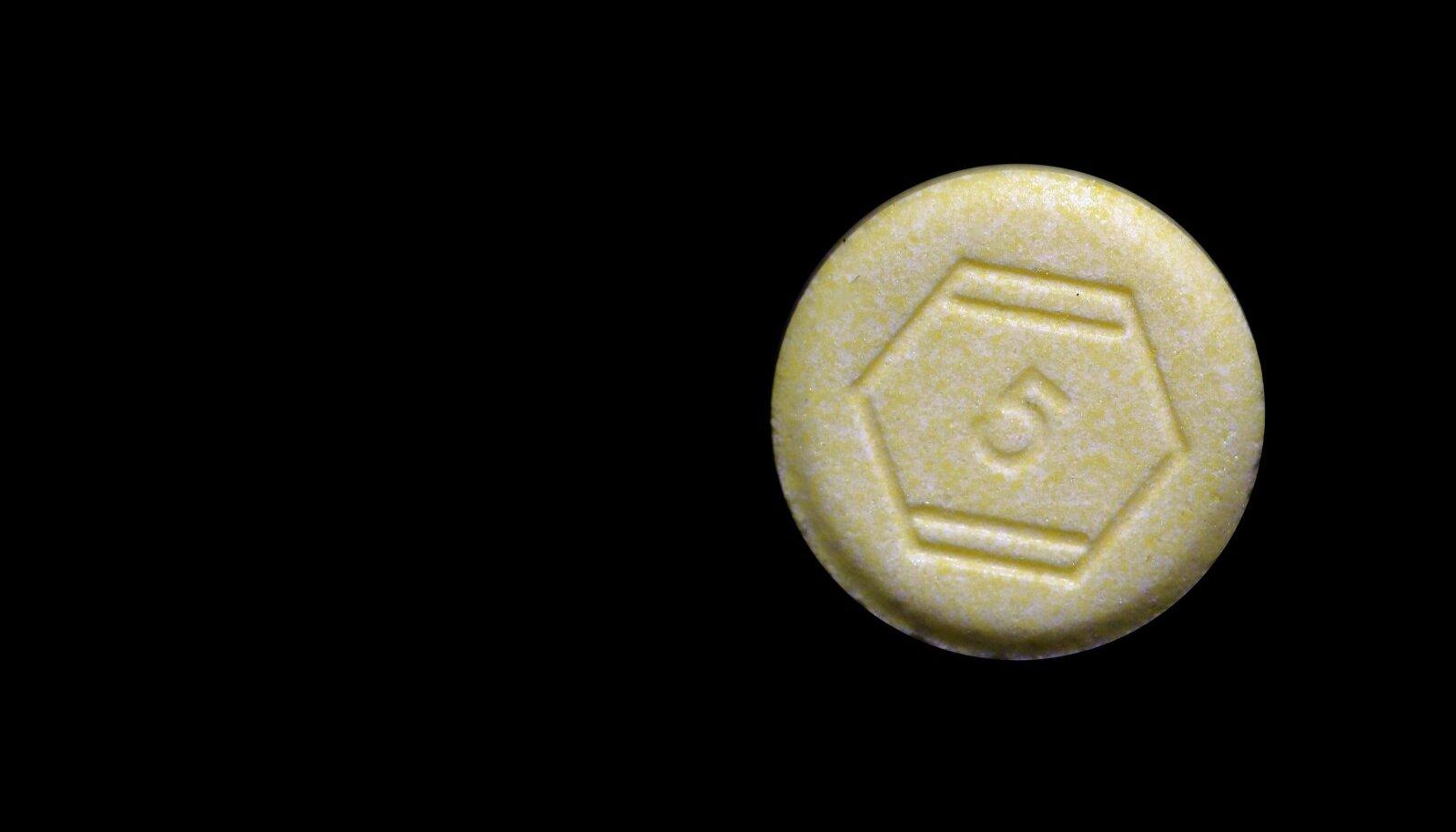 RAHUSTI: Professor tellis teiste hulgas ka diasepaami sisaldavaid tablette, mida kasutatakse ärevusseisundi ja alkoholi võõrutusnähute korral.
