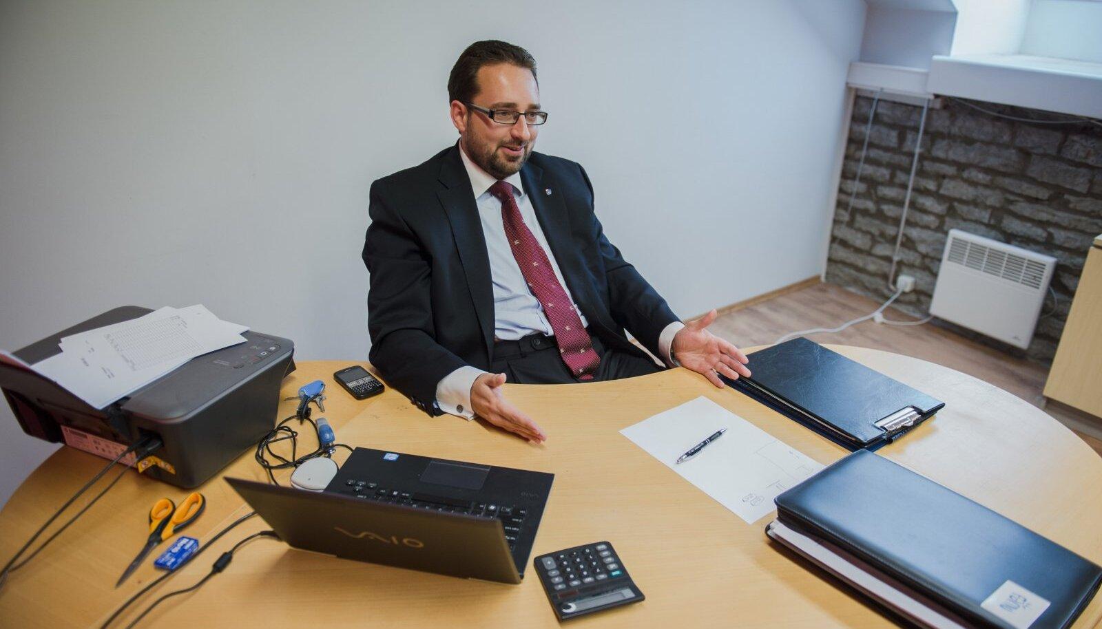 Varem suvepealinna juhtinud Mart Viisitamm tahab nüüd saada Rakvere linnapeaks.
