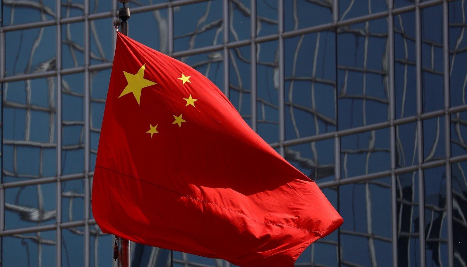 Hiina hakkas luurehuvi Eesti vastu tundma pärast Euroopa Liidu ja NATOga liitumist. Huvi on kestnud tänaseni ning Hiina luuretegevus on intensiivistunud.