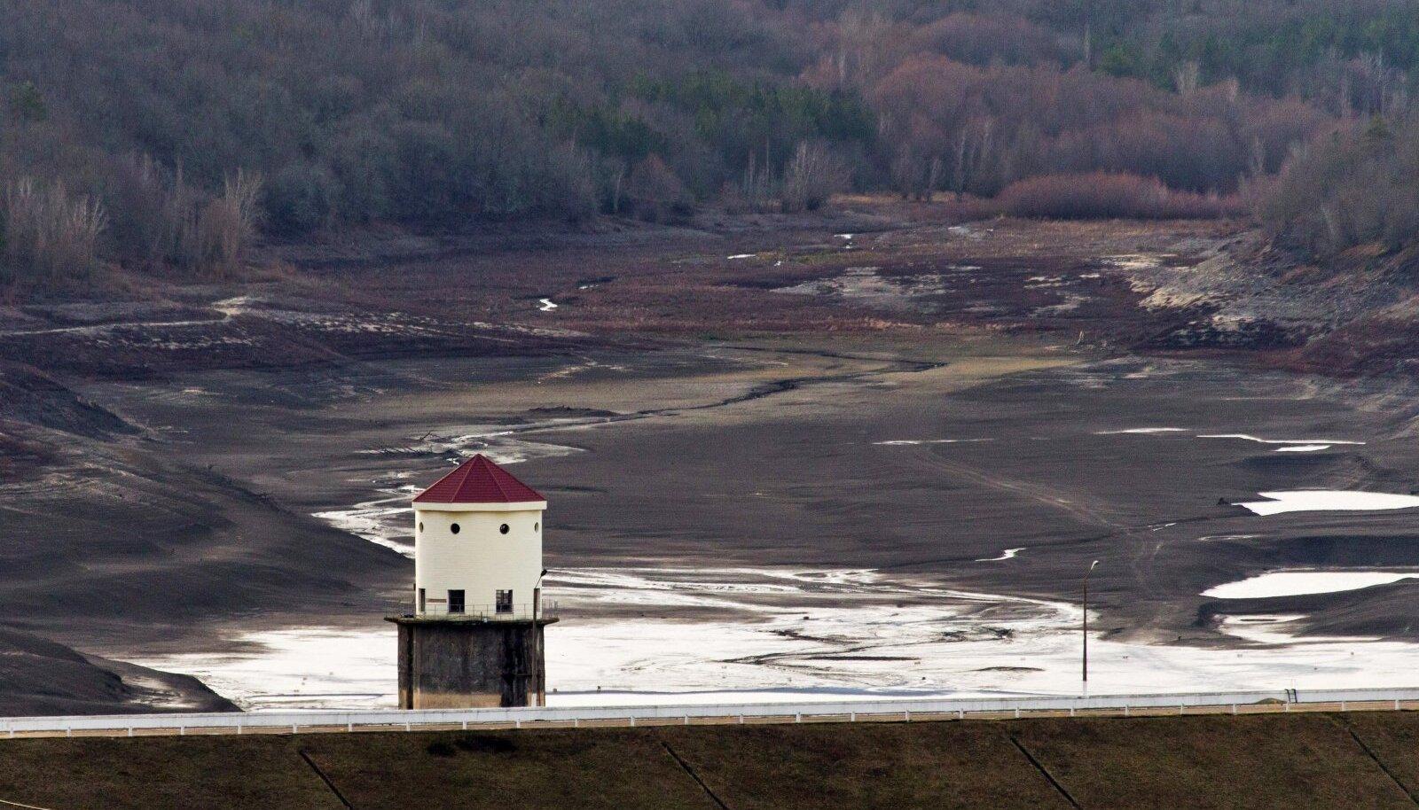 Jaltat ja Krimmi lõunaosa varustav Zagorskoje veehoidla sai aasta algul lume sulades ja sademetest veidigi täiendust.