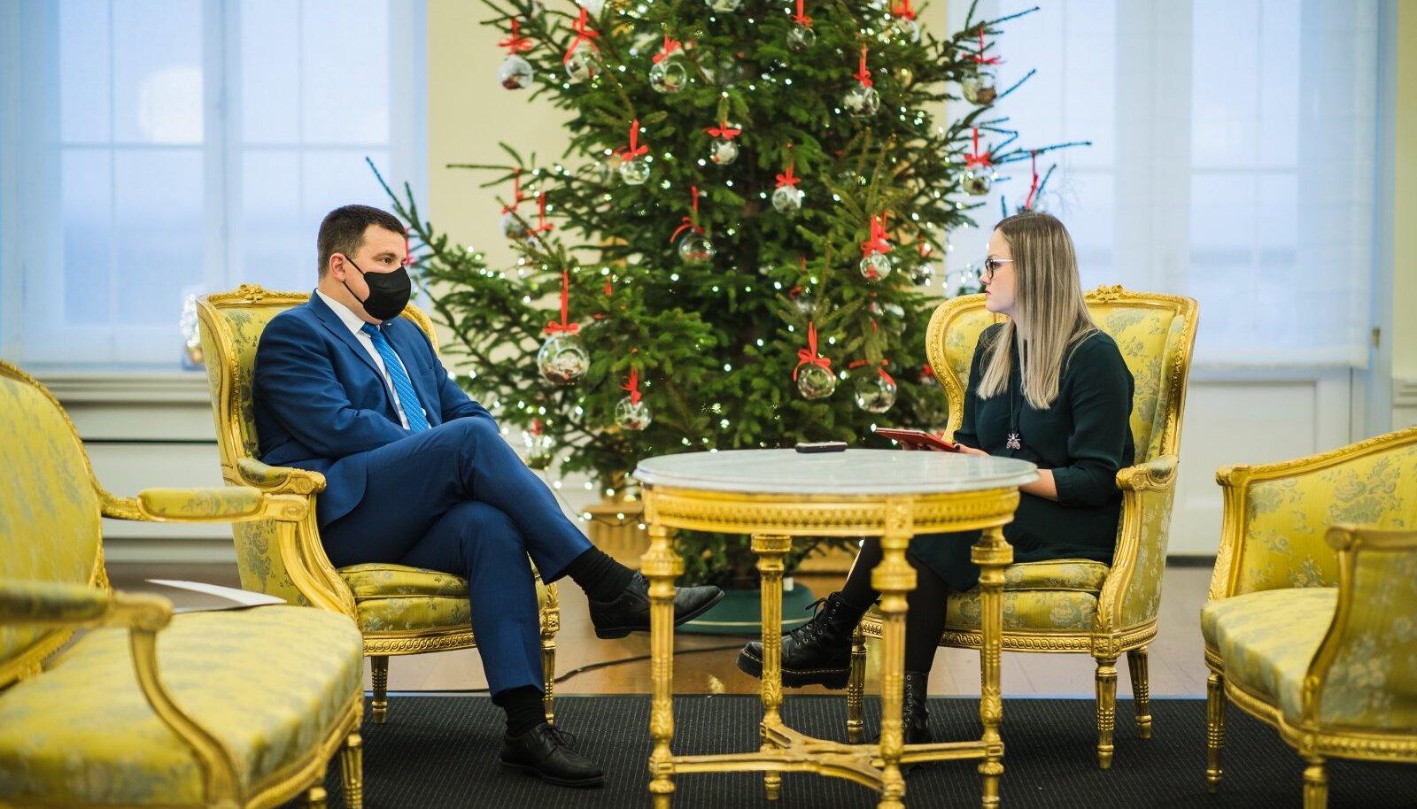 Peaminister Jüri Ratas kinnitas intervjuud andes, et Eesti peaks esimesel võimalusel liikuma meretuuleparkide rajamise poole.