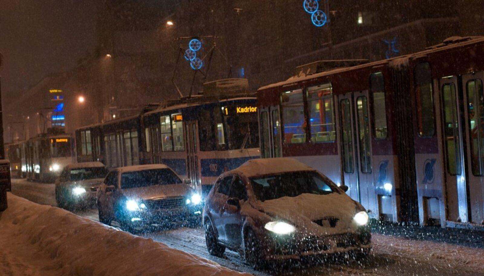 Liiklusõnnetus Narva maanteel
