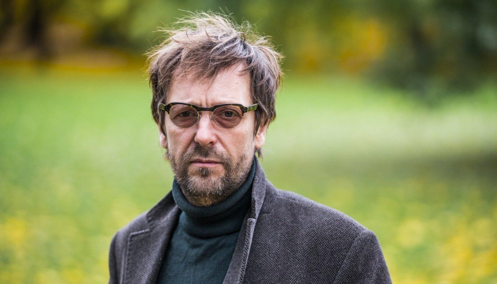 Töö on minu jaoks liiga tugev sõna sellise hapra ameti nagu näitleja kohta, ütleb Ivo Uukkivi.