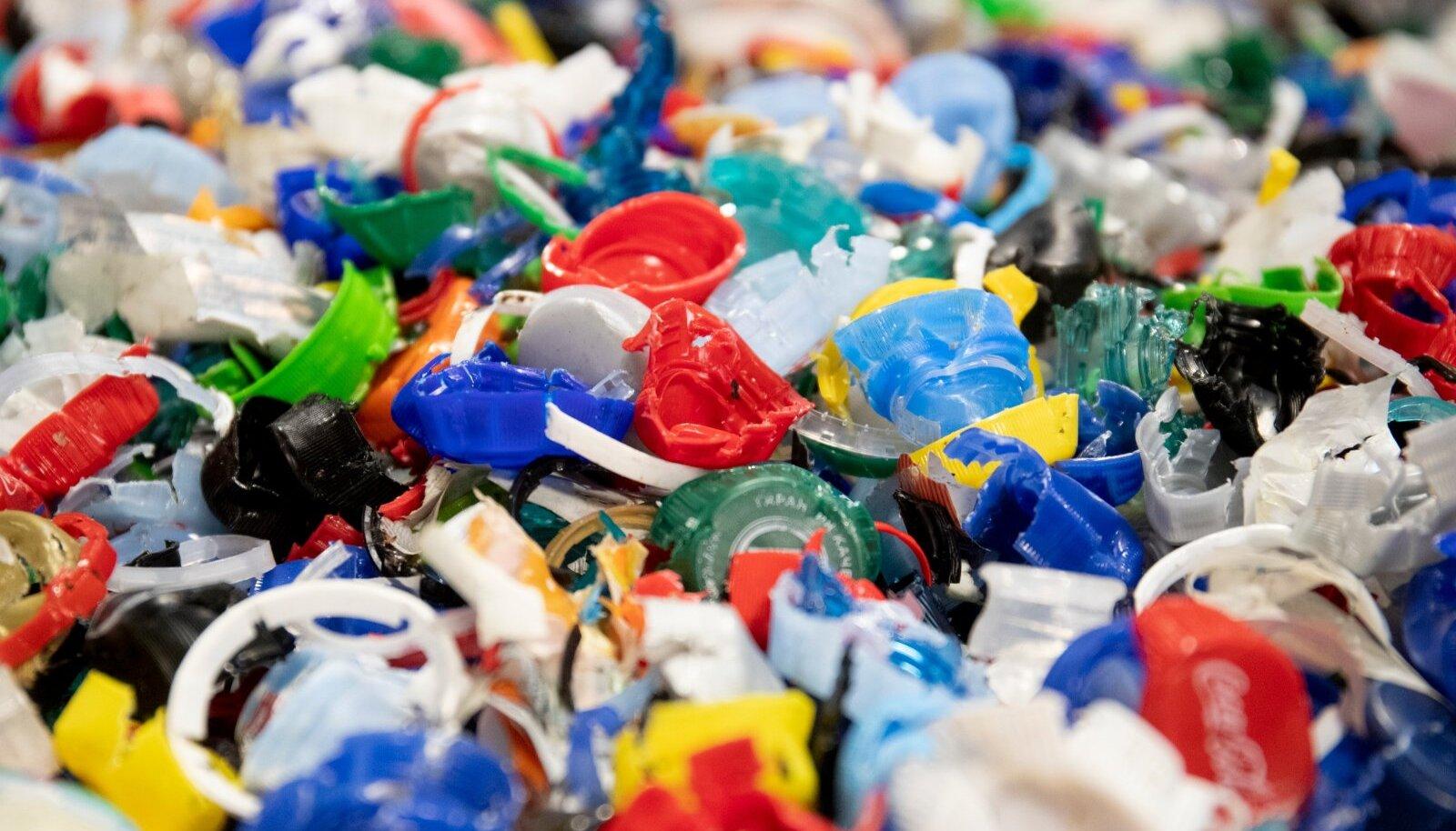 Mida rohkem plastjäätmeid, seda rohkem kulub aega nende käitlemiseks.